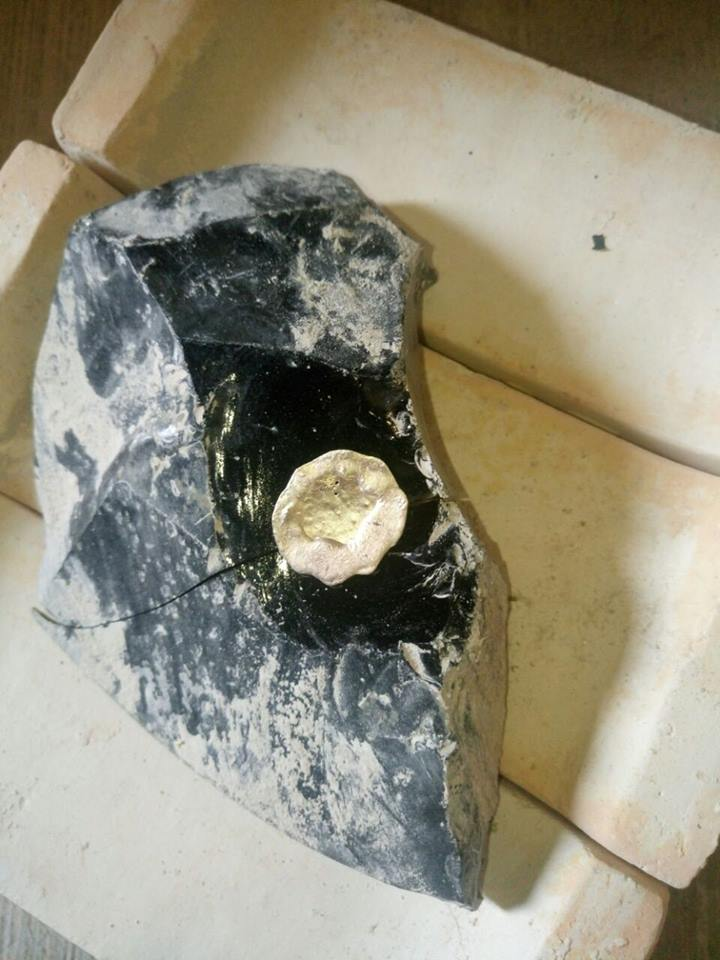 6842c7a9ac26 Resultado del vaciado de la plata a 980° sobre obsidiana